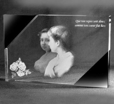 Glazen blackline 2d kristalplaat portret roos en tekst 18x13x2 cm € 159,00
