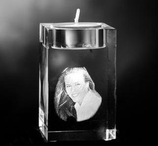 Glazen kubus met 2D portret waxinehouder 8x5x5 cm prijs €139,00