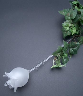 Roos 3D met dubbel blad. In de binnenzijde van de bloem is er een mogelijkheid om as te bewaren € 39,50