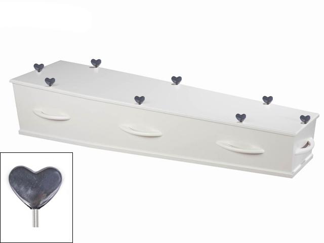 kist-met-als-afsluitsculptuur-een-hart-leverbaar-in-zilvertin-verbronsd-of-brons-prijs-op-aanvraag