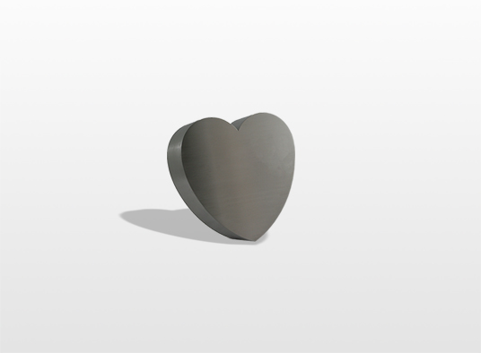 urn-hart-het-symbool-van-liefde-kan-los-geplaatst-worden-maar-kan-ook-worden-verwerkt-in-een-monument-9-x-9-x-45-cm-inhoud-02-liter-_-29000