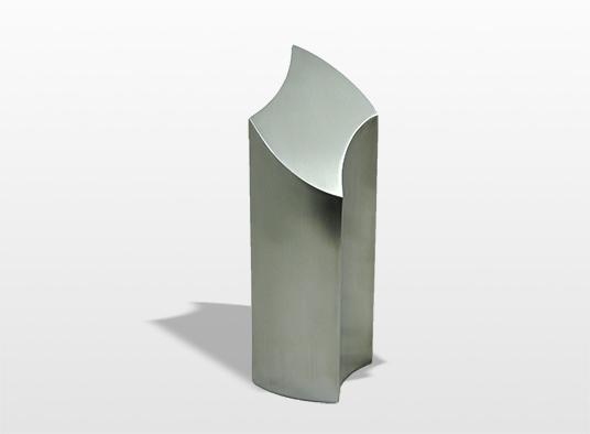 urn-wave-het-symbool-voor-de-tegenstellingen-in-het-leven-twee-golven-omgekeerd-en-op-elkaar-geplaatst-40-x-11-x-13-cm-inhoud-35-liter-_-94000